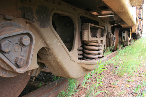 Rusty train, rusty tracks